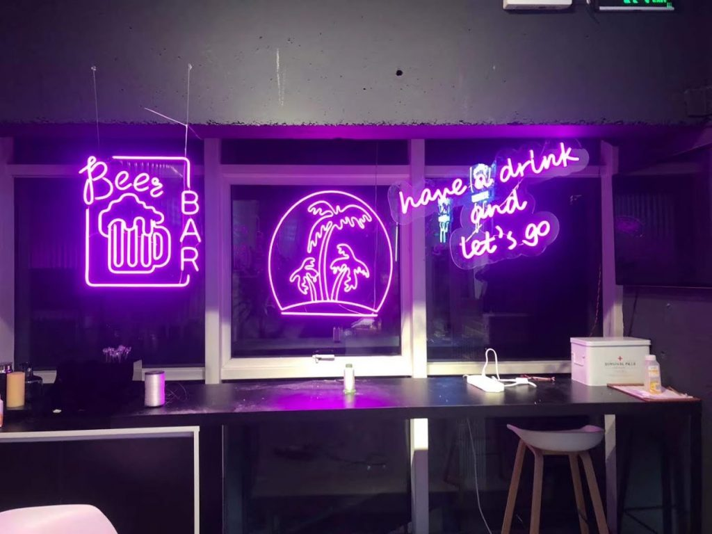 Ưu Thế Bảng Hiệu Đèn Neon Sign Và Hạn Chế
